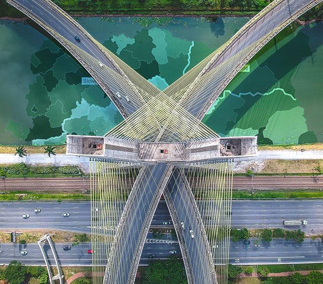 Brücke aus der Vogelperspektive